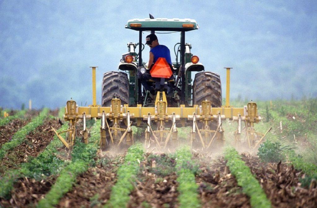 Συνήγορος του Πολίτη: Καθυστερούν οι ενισχύσεις προς τους παραγωγούς