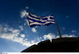 FAZ: Αμφίβολο αν η Ελλάδα θα τα καταφέρει χωρίς νέα χρηματοδοτική στήριξη