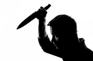 Αιγάλεω: Τη μαχαίρωσε για να της αρπάξει την τσάντα (VIDEO)