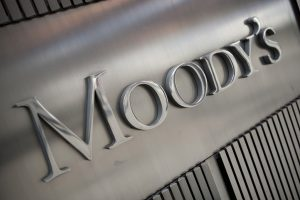 Moody's: Η άρση των capital controls είναι θετική για το αξιόχρεο των τραπεζών