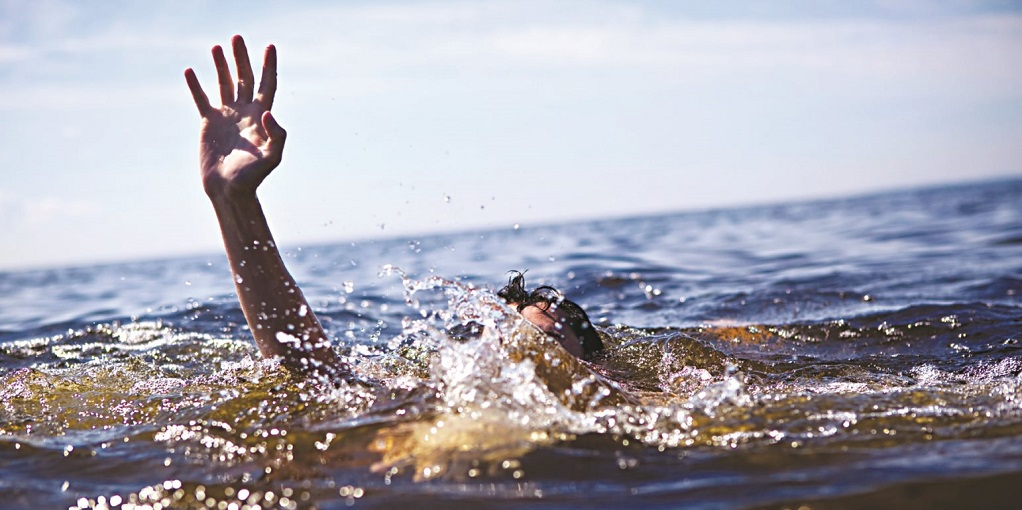Τραγικός θάνατος για λουόμενο – Έχασε τις αισθήσεις του ενώ κολυμπούσε