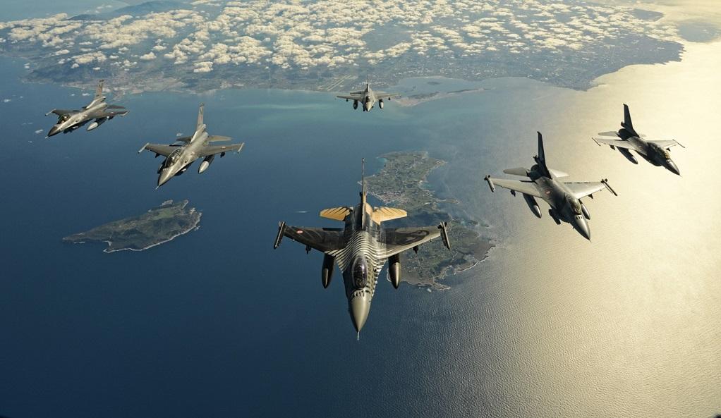 Τέσσερις παραβιάσεις από τουρκικά αεροσκάφη στο Αιγαίο