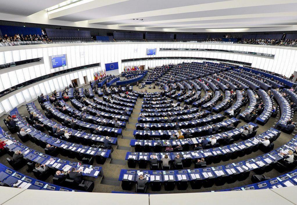 Η Ευρώπη χάνει σχεδόν 10 δισ. το χρόνο γιατί δεν προστατεύει επαρκώς τους «προστατευόμενους μάρτυρες»