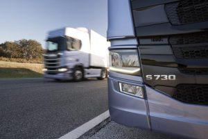 Νέα μείωση 30% στις εκπομπές CO2 από φορτηγά