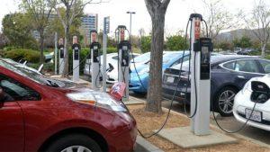 Δωρεάν διέλευση από τα διόδια για ηλεκτροκίνητα αυτοκίνητα
