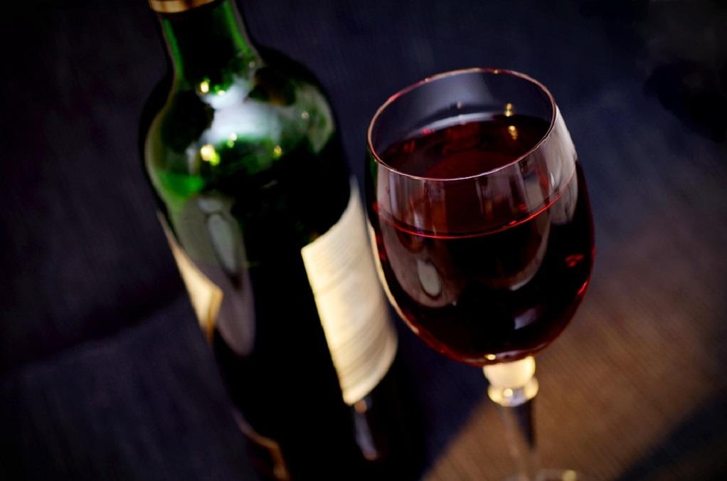 Το νέο ρόφημα είναι ζεστή σοκολάτα με κόκκινο κρασί