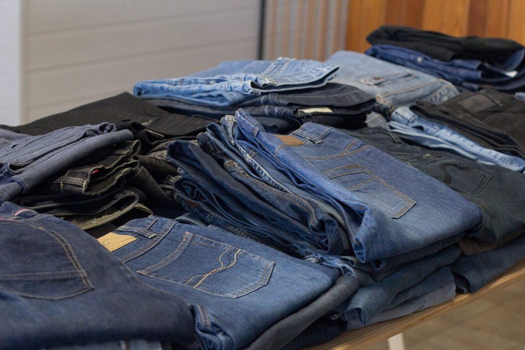 To τρικ που θα σε βοηθήσει να ξοδεύεις λιγότερα χρήματα σε ρούχα
