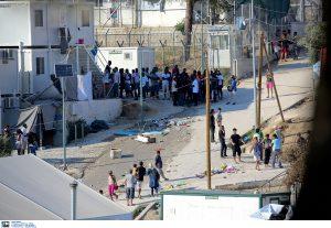 Πάνω από 13.000 μετανάστες στη Μόρια- «Ασφυκτιούν» τα νησιά