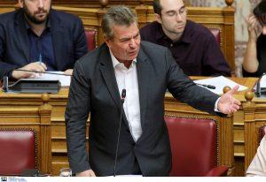 Κατάργηση των βιβλιαρίων ασθενείας προανήγγειλε ο Τάσος Πετρόπουλος