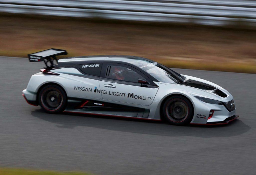 Η Nissan παρουσιάζει το ολοκαίνουριο, αμιγώς ηλεκτροκίνητο αγωνιστικό LEAF NISMO RC
