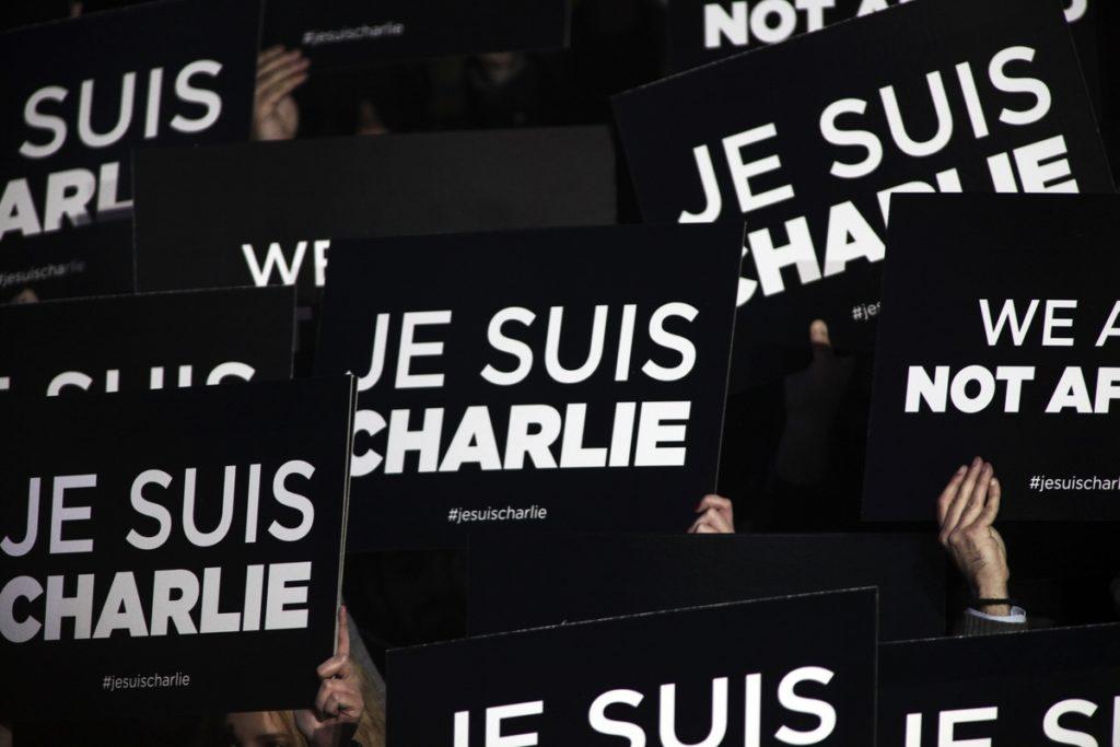 Παρίσι: Ομολόγησε ο δράστης της νέας επίθεσης έξω από το Charlie Hebdo