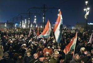 Στους δρόμους της Βουδαπέστης, κατά του «νόμου δουλείας»