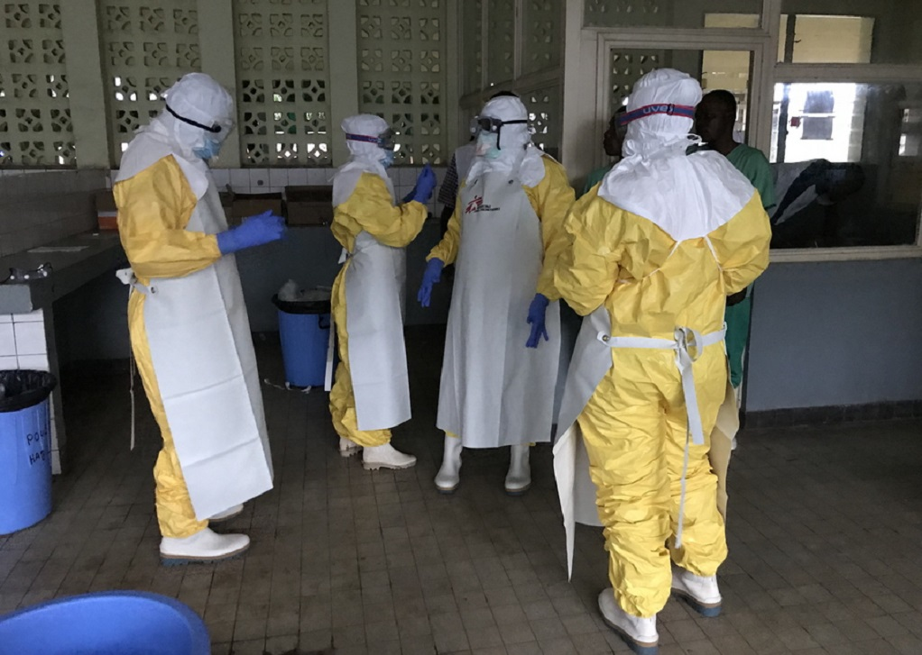 Η επιδημία Έμπολα επεκτάθηκε