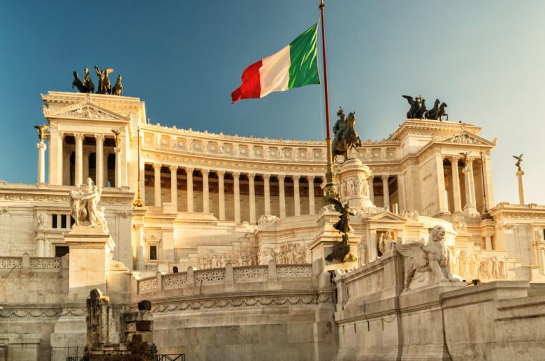 Ιταλία: Πιστολίδι και νεκροί σε αστυνομικό τμήμα