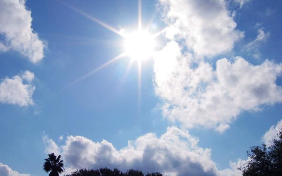 Επιστρέφουν από τη Μ. Δευτέρα οι ανοιξιάτικες θερμοκρασίες αλλά και η αφρικανική σκόνη