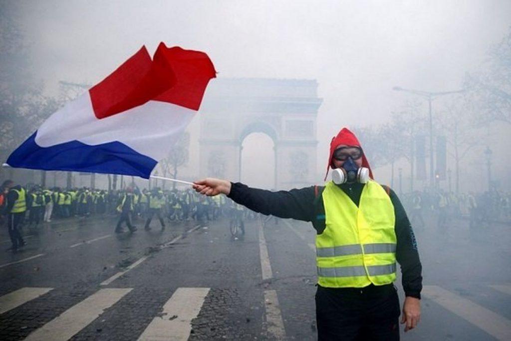 Γαλλία: «Στοπ» από τις αρχές στα Κίτρινα Γιλέκα να διαδηλώσουν στο Σανζ Ελιζέ
