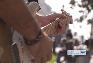 Μουσικοί του δρόμου – Παράγουν τέχνη και ξυπνούν συναισθήματα (VIDEO)