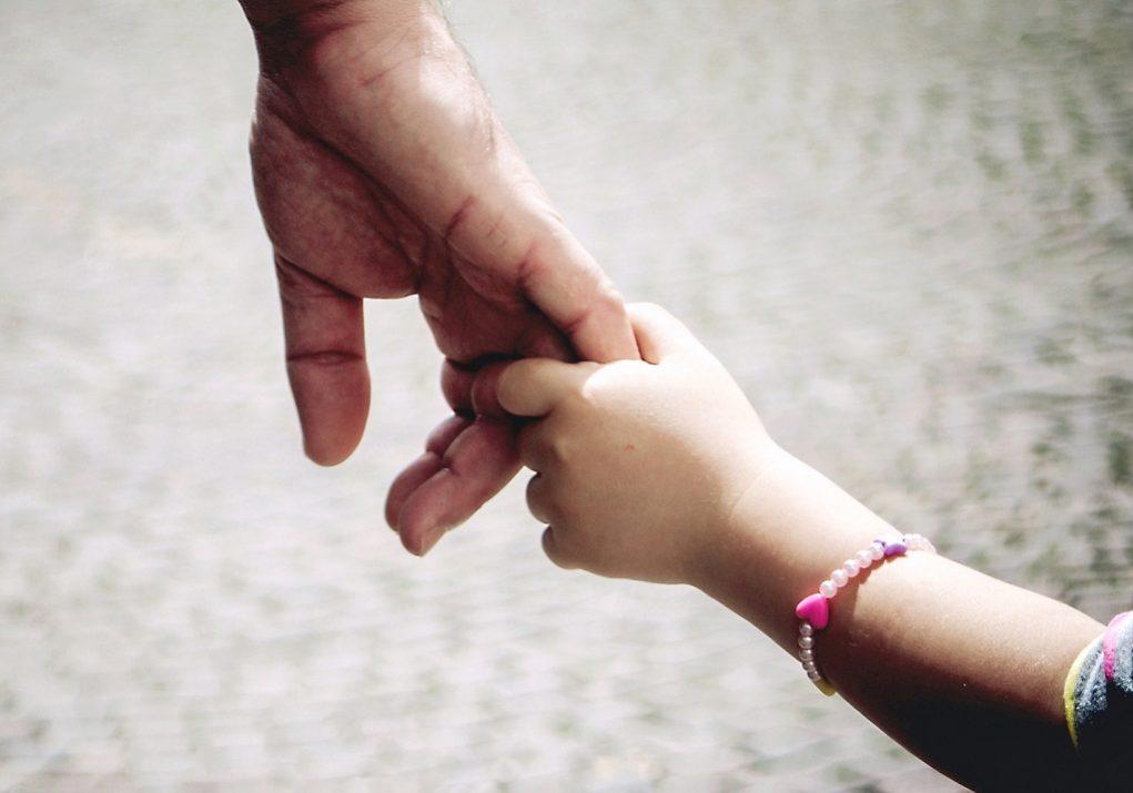 Επίδομα παιδιού: Άνοιξαν οι αιτήσεις