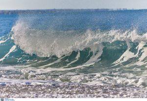 Σκωτία: Έφηβες έσωσαν πατέρα και γιο από πνιγμό -Με ένα στρώμα θαλάσσης
