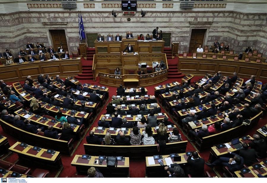 Βουλή: Ψηφίστηκε το νέο σύστημα χορήγησης αδειών οδήγησης
