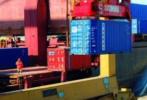 Τα containers γέφυρα σύνδεσης του ΟΛΘ με τον ΟΛΠ
