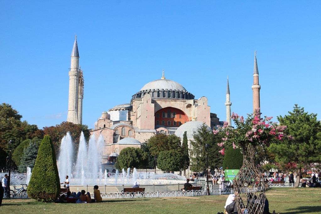 Προκαλεί ξανά η Τουρκία για την Αγιά Σοφιά