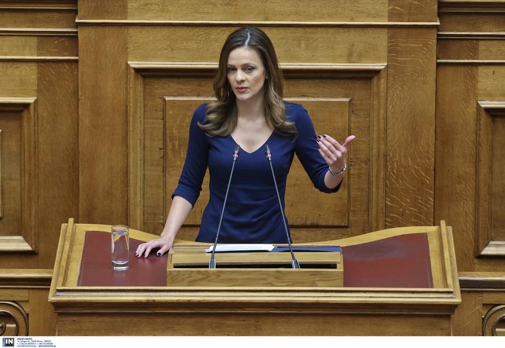 Αχτσιόγλου: Τα μέτρα στήριξης της κοινωνικής πλειοψηφίας είναι το πλεονέκτημά μας