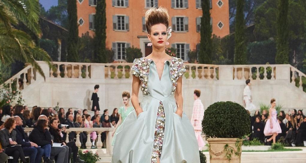 Η Chanel πήγε το φλοράλ σε άλλο επίπεδο(ΦΩΤΟ) - GR TimesGR Times e751e75ac4a