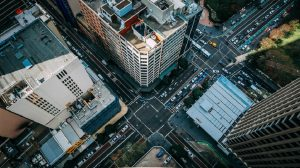 Τα αυστηρότερα όρια εκπομπών ρύπων αλλάζουν τις ισορροπίες στις αυτοκινητοβιομηχανίες