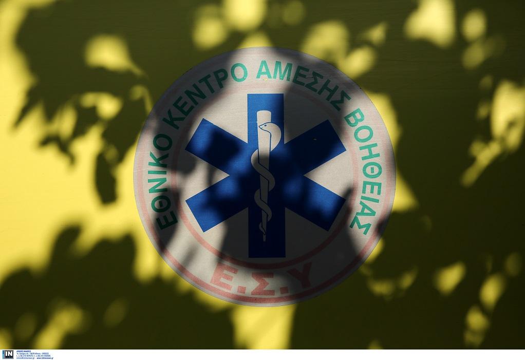 Βουτιά θανάτου σε χαράδρα για δύο νεαρούς στη Σαντορίνη