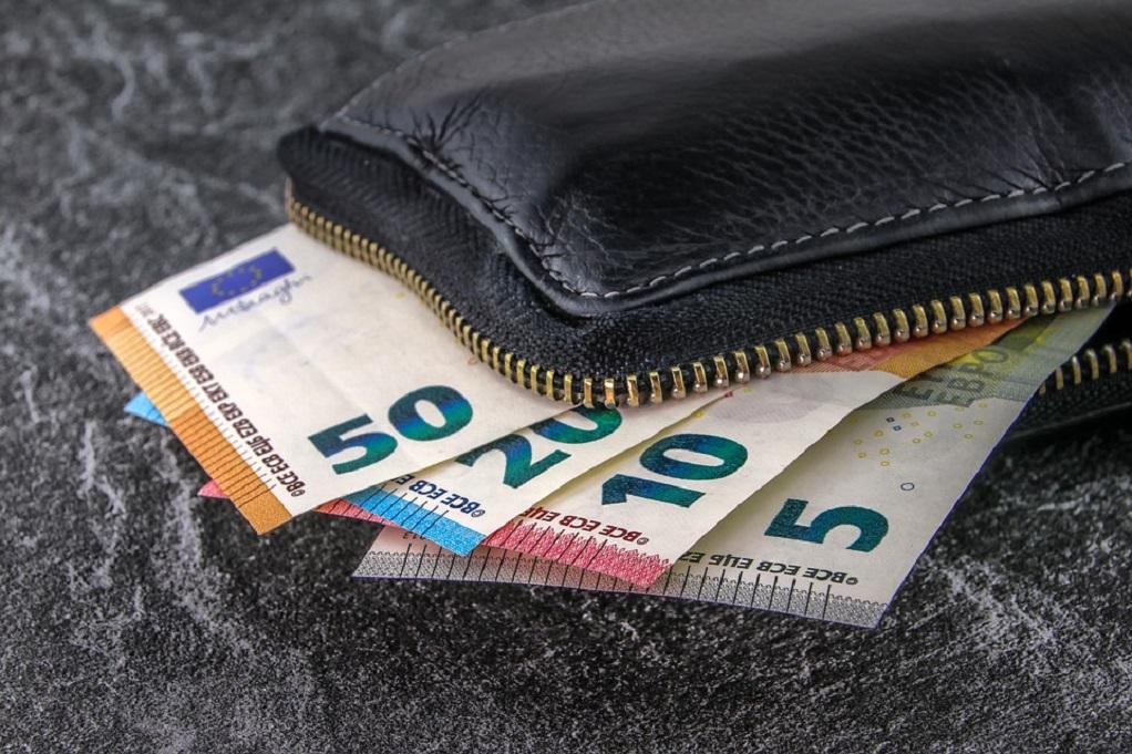 Πόσα είναι τα πλαστά χαρτονομίσματα που κυκλοφορούν στην Ευρώπη