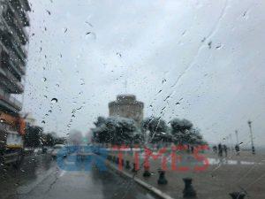 Καιρός: Νεφώσεις με τοπικές βροχές