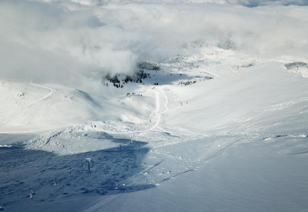 Ελβετία: Χιονοστιβάδα «έθαψε» ανθρώπους στο χιονοδρομικό κέντρο Κραν Μοντανά