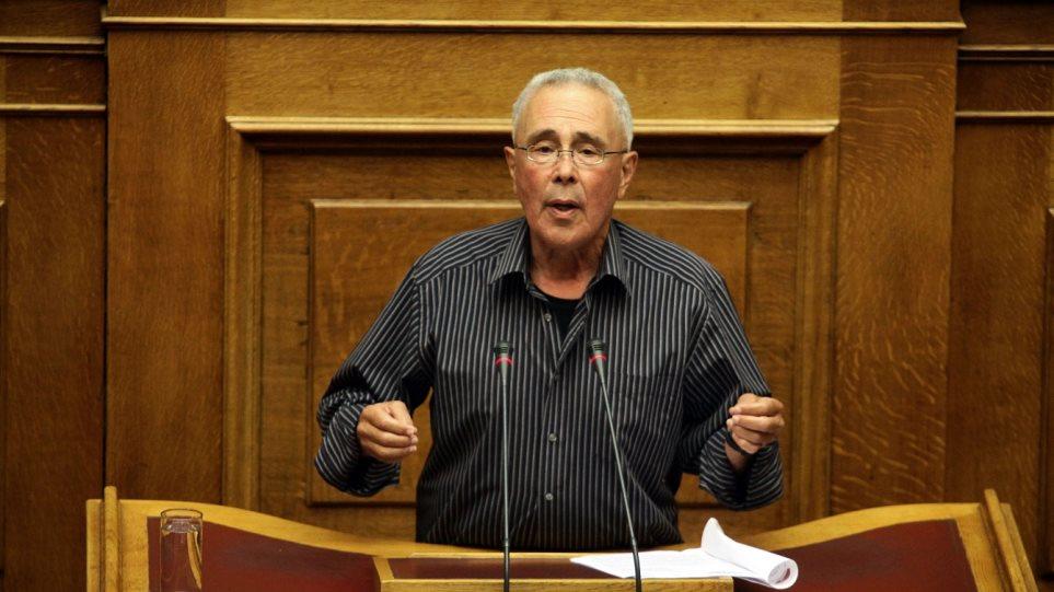 Ζουράρις: Η κυβέρνηση σακατεύει τη Μακεδονία, αλλά… την στηρίζω