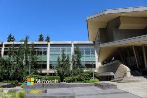 Microsoft: Αντικαθιστά δημοσιογράφους με… ρομπότ!