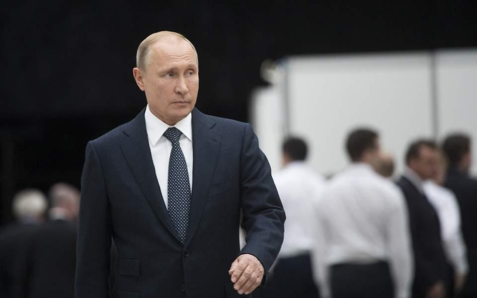 «Ταχεία ανάρρωση» εύχεται ο Πούτιν στον Τζόνσον