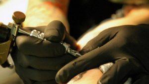 Είναι ασφαλής για όσους έχουν τατουάζ η μαγνητική τομογραφία