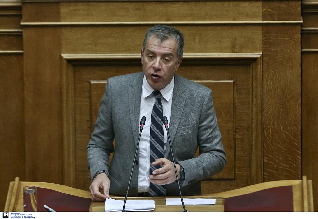 Θεοδωράκης: Τιμή στους αγωνιστές κατά της Χούντας