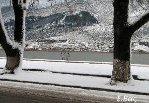 Συνεχίζεται η χιονόπτωση στα Γιάννενα(ΦΩΤΟ)