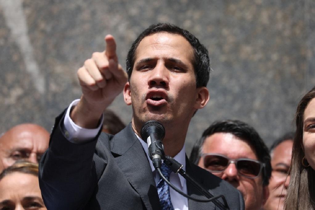 Βολιβία: Η νέα κυβέρνηση αναγνωρίζει τον Γκουαϊδό ως πρόεδρο της Βενεζουέλας