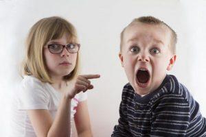 Γιατί κιτρίνισαν τα δόντια του παιδιού