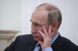 Προβληματική δοκιμή διηπειρωτικού βαλλιστικού πυραύλου μπροστά στον Πούτιν