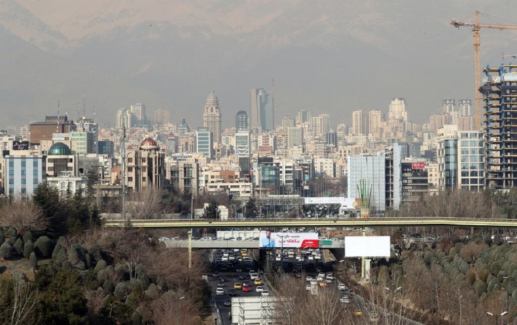 Πύραυλο μεγάλου βεληνεκούς παρουσίασε η Τεχεράνη