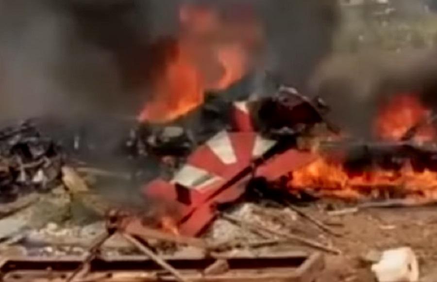 Ινδία: Η στιγμή που δύο αεροσκάφη συγκρούονται στον αέρα (βίντεο)