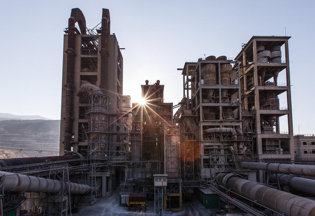 Κομισιόν: Φθηνότερο ρεύμα για τις ενεργοβόρες βιομηχανίες