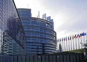 Η Ε.Ε δημιουργεί έναν κλάδο άμυνας που «θα συμπληρώνει το ΝΑΤΟ»