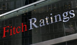 Fitch: Οι παροχές Τσίπρα αυξάνουν την αβεβαιότητα