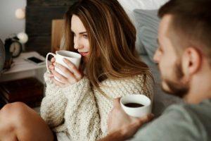 Καφές με άδειο στομάχι: Πόσο επικίνδυνο είναι;