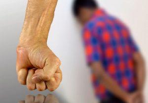 Ξυλοκόπησε δύο Πακιστανούς επειδή ζητούσαν τα δεδουλευμένα τους