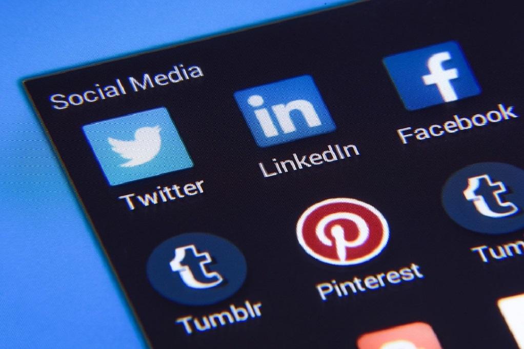 Τα εισοδήματα των influencers των social media αυξάνονται
